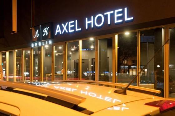 Resort gay nel mondo vacanze gay e lesbo travelgay for Hotel berlino design