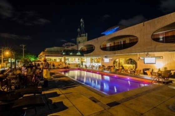 HOTEL COCOON & LOUNGE