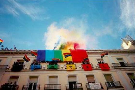 Hotel gay hostal puerta del sol madrid for Hostel puerta del sol